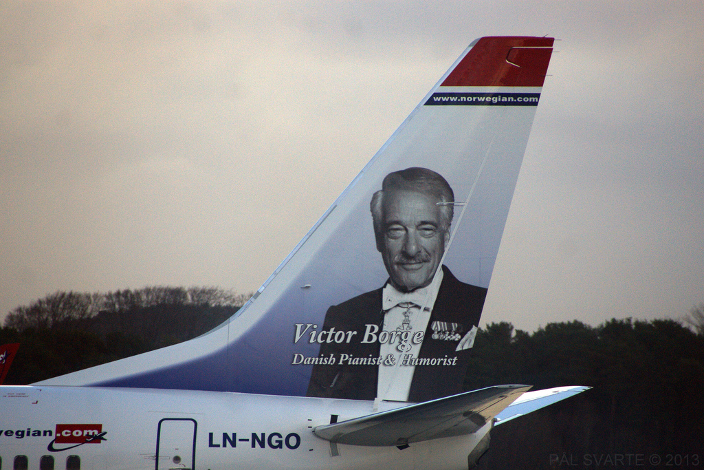 Victor Borge on a Norwegian Air Shuttle's Tail