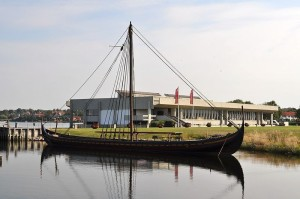 041013_viking_ship