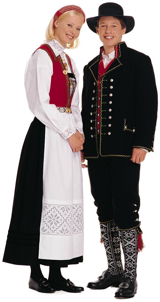 020114_National_costume_from_Hardanger