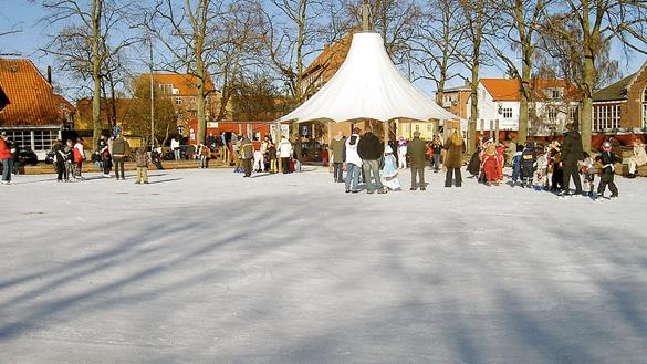 120214_Outdoor_skating_in_Holbaek