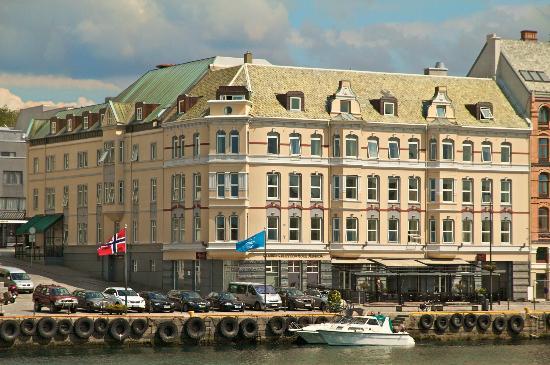 170214_clarion-collection-amanda-Haugesund