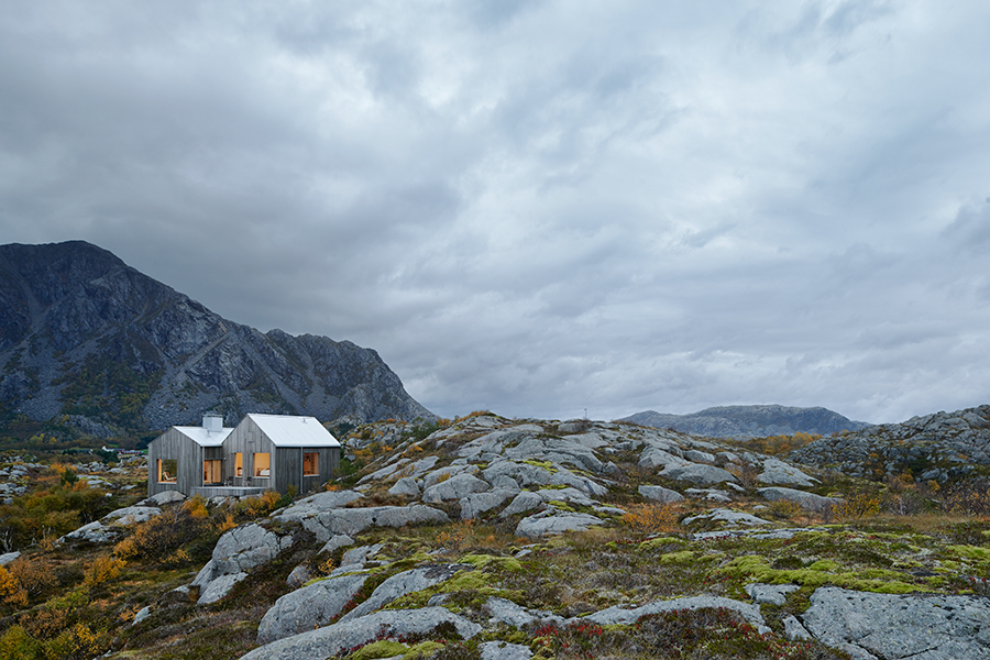 020414_Cabin_in_Vega_Norway
