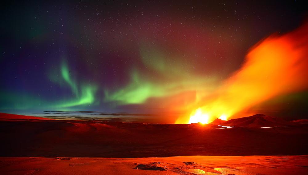 100614_Arctic_skies