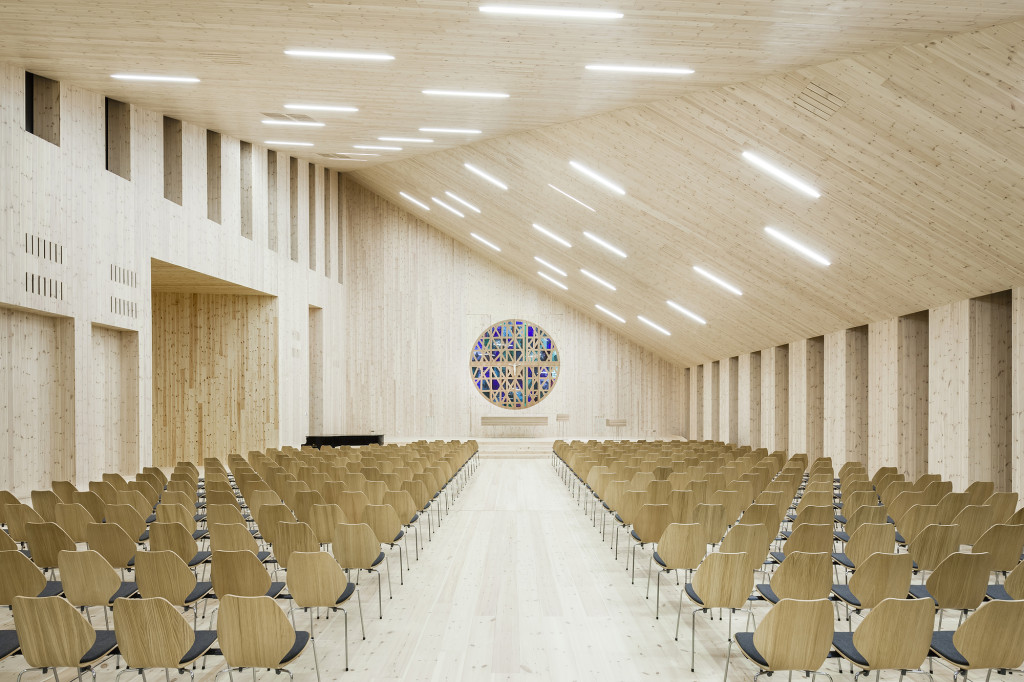 200515-community-church-knarvik-interior-reiulf-ramstad-architects-hundven-clements_photography