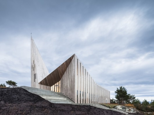 200515-community-church-knarvik-reiulf-ramstad-architects_hundven-clements_photograph
