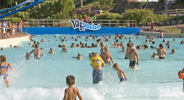 160615-skara-simmarland-wave-pool