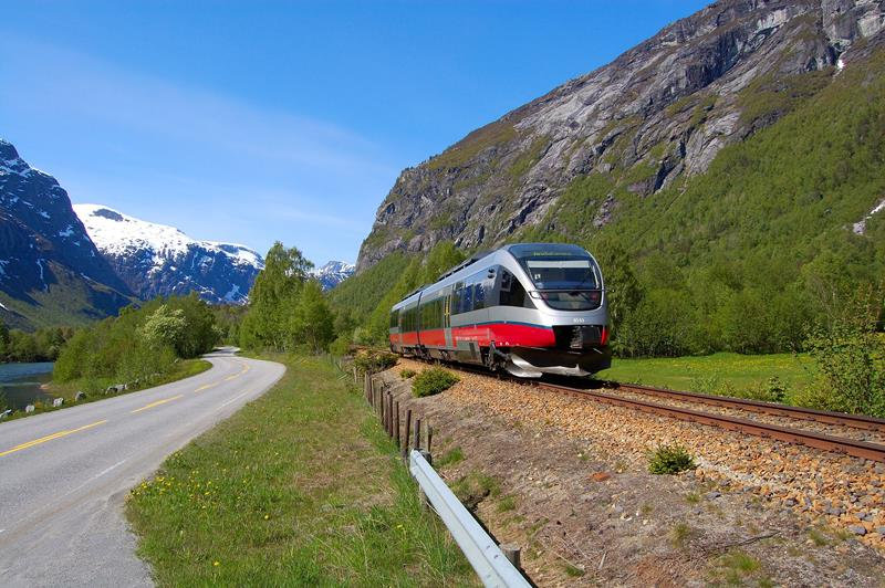 230615-go-by-train-in-norway