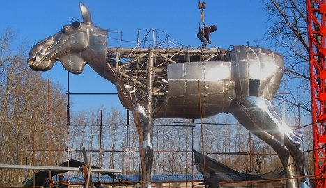 Big elk under construction. Photo Linda Bakke