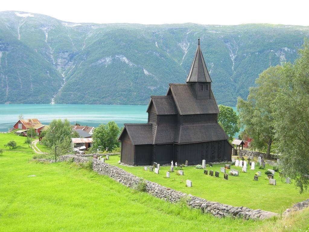 160715_Urnes_Stave_Church