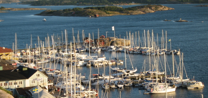 100915-grebbestad-harbor-west-sweden