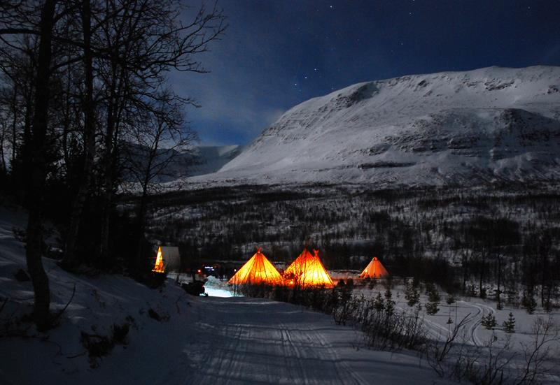 041015-lyngjord-camp-tamok-tromsoe-norway