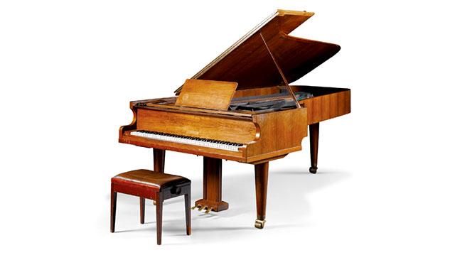 061015-Abba-Grand-Piano-2
