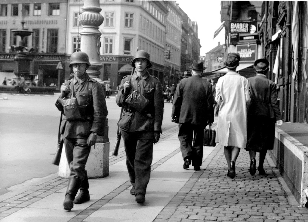 German troops pass Danish civilians in Copenhagen