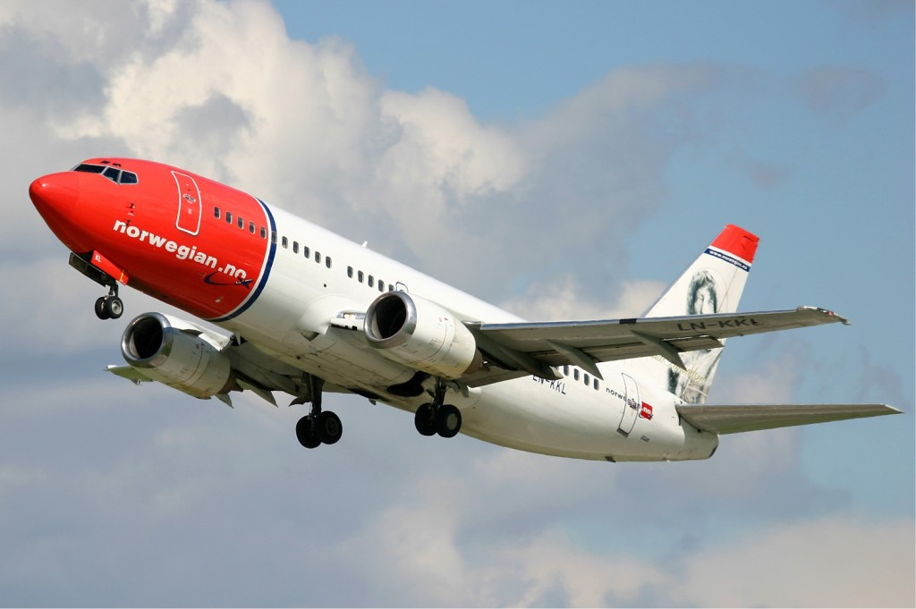 070316-Norwegian_Air_Shuttle_Boeing_737