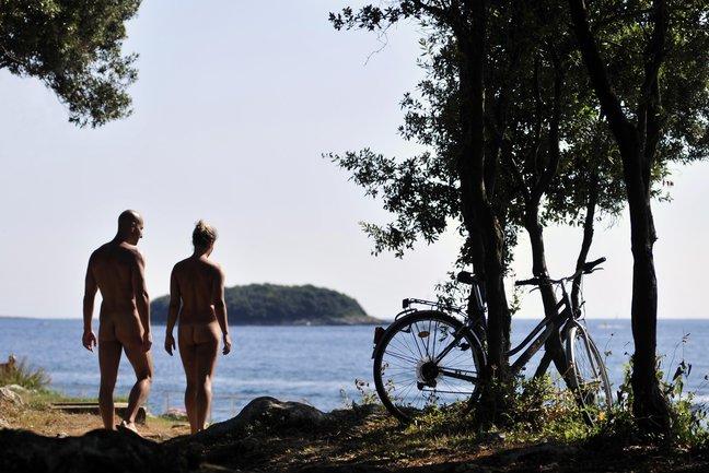 120416-naturist-camp