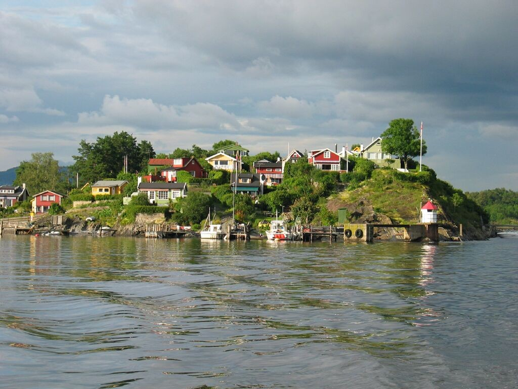 050716-oslo-fjord-cabins