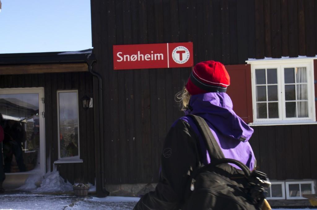 Arriving Snoheim