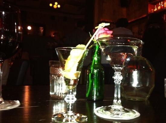 280616-cocktail-at-salon-39