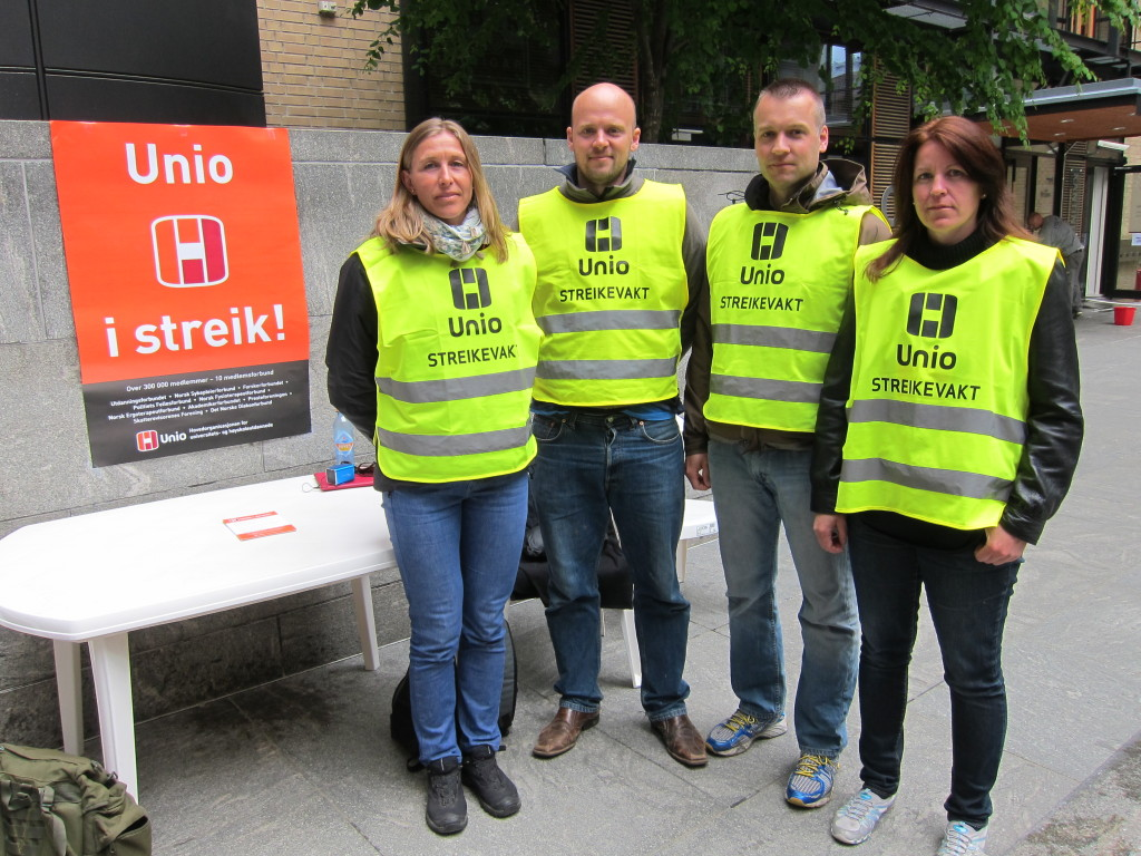 Striking workers organized in the Norwegian labour union UNIO