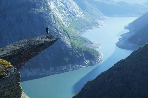 200716-trolltunga-troll's-tongue-norway