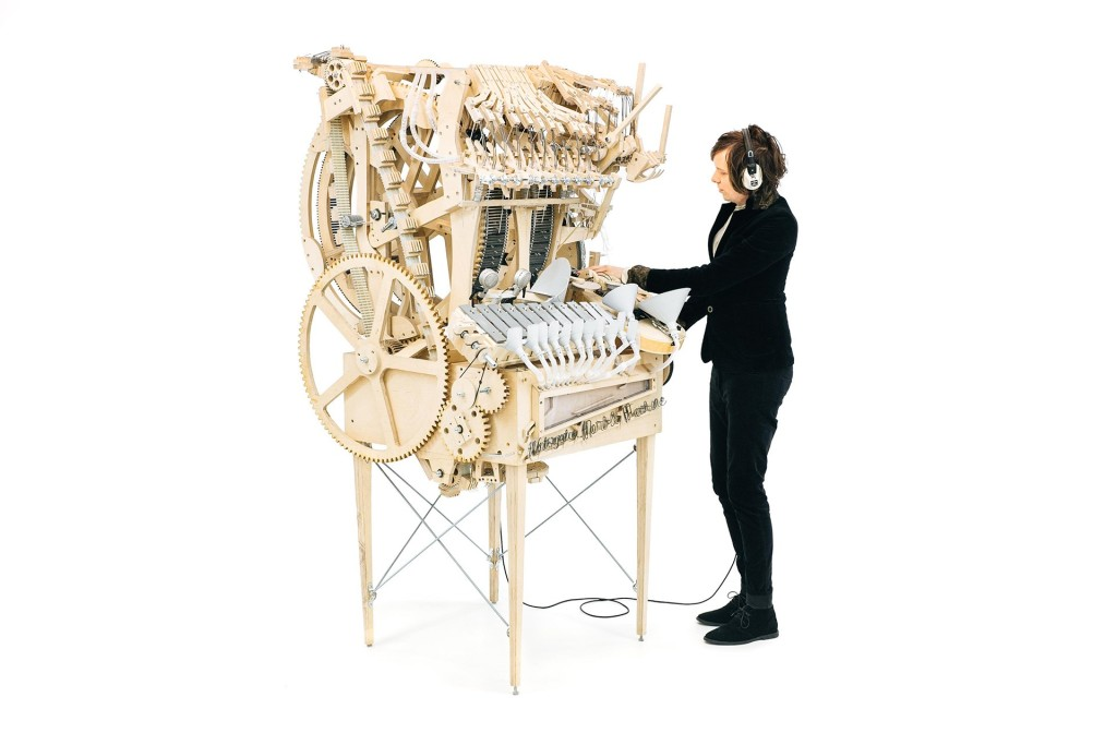 280716-Wintergatan_Marble_Machine_and_Martin_Molin