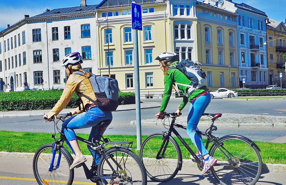 Girls cycling in Oslo