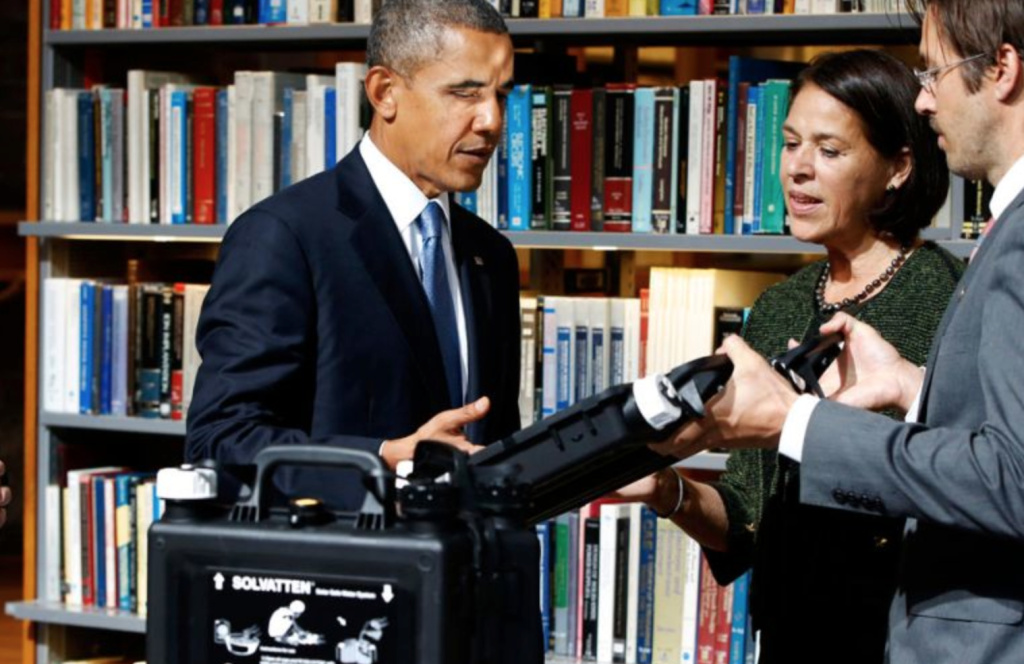 Inventor Petra Wadström presents her invention to President Obama