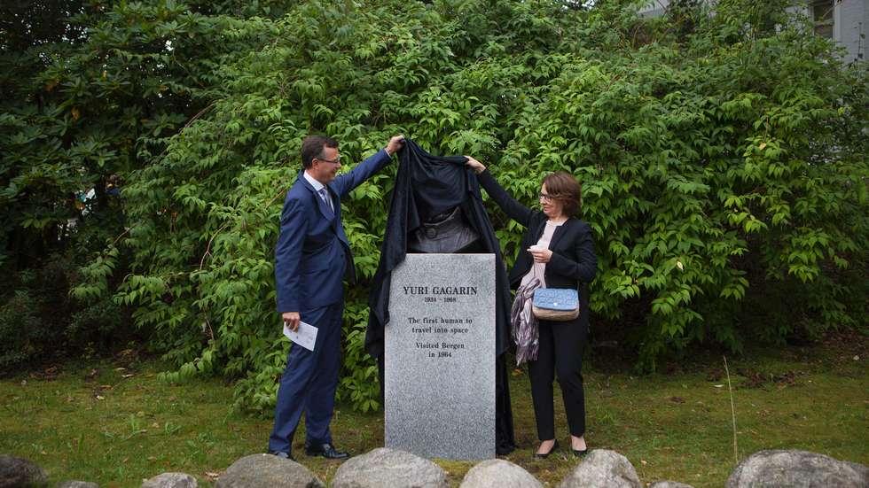 Yuri Gagarin bust unvailed in Bergen